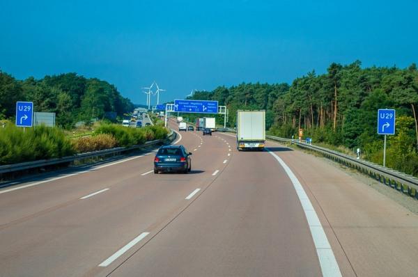 Diaľnica v Európskej únii a diaľničné poplatky