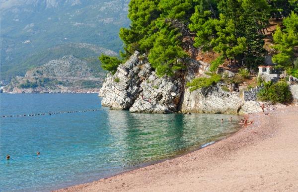 Montenegro, Čierna hroa a pláže