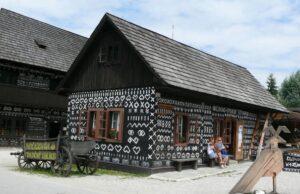 Čičmany drevené domčeky